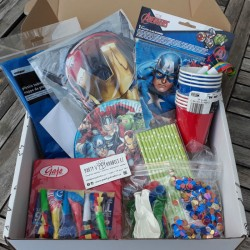 AVENGERS PLUS PARTY SET